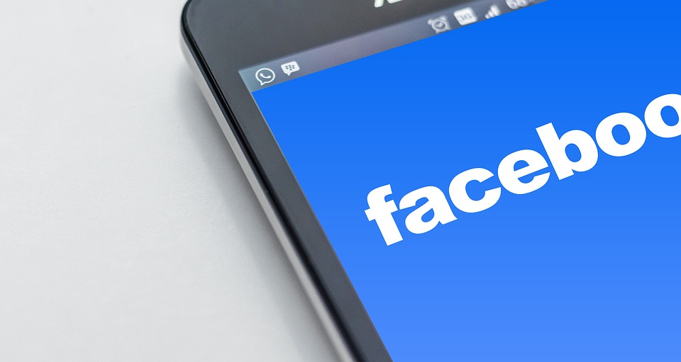 facebook-1903445_960_720