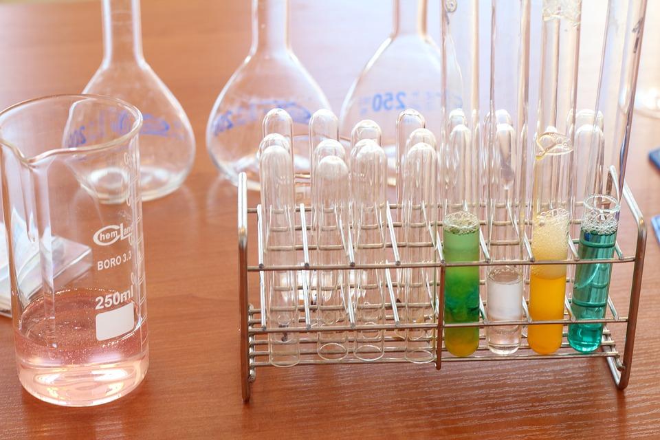 laboratory-1009190_960_720.jpg
