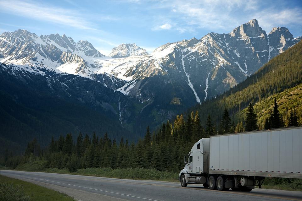 truck-2677373_960_720.jpg