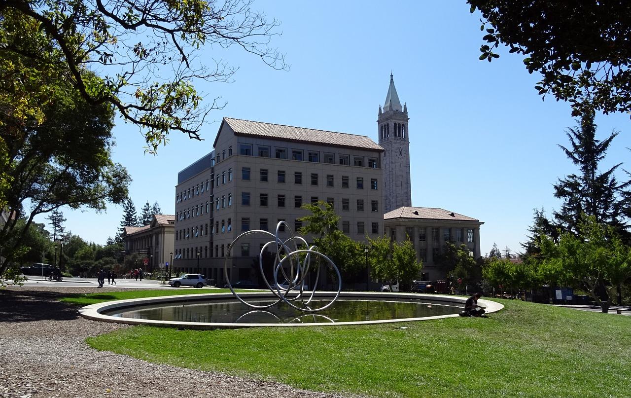 university-1014249_1280
