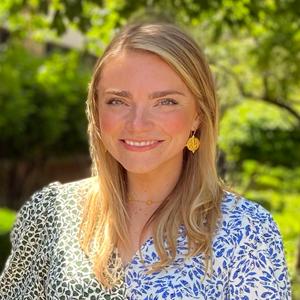 Elizabeth DiNardo, Esq. | Associate Counsel